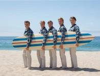 Die Beach Boys (v. l. n. r.): Dennis Wilson (Kenny Wormald), Al Jardine (Graham Rogers), Carl Wilson (Brett Davern), Mike Love (Jake Abel) und Brian Wilson (Paul Dano)